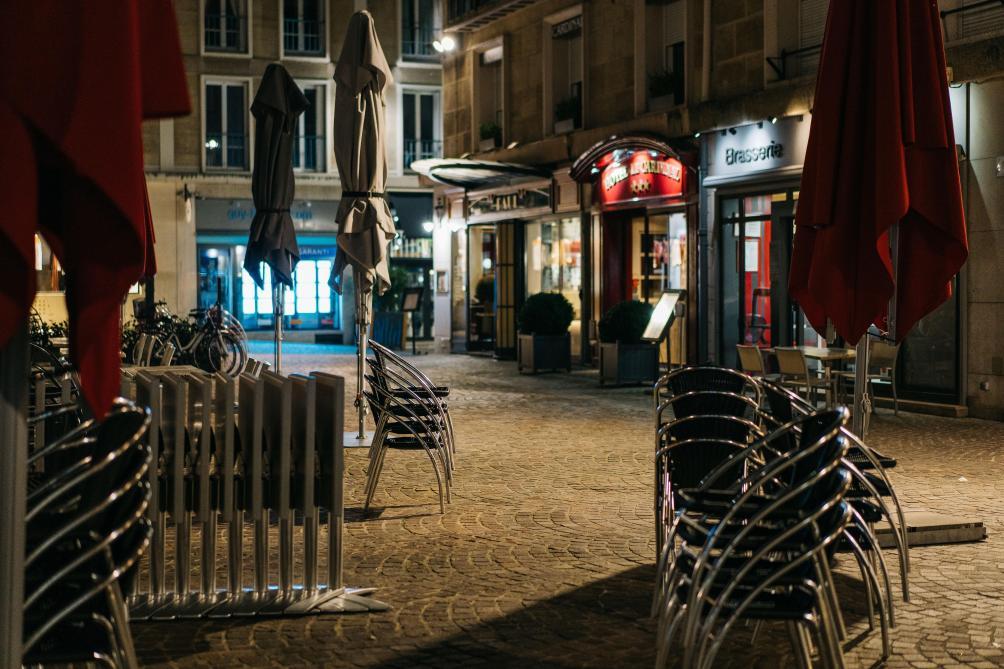Un reconfinement total n'est pas exclu en France: Macron va annoncer de nouvelles mesures mercredi soir