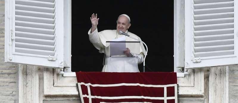 Vatican : une personne positive dans la résidence où vit le pape
