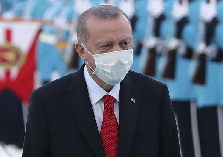 Charlie Hebdo s'attire les foudres de la Turquie avec sa caricature d'Erdogan