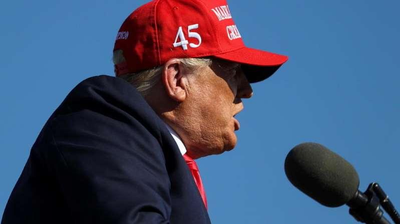 Aux États-Unis, l'auteur d'une tribune anti-Trump sort de l'anonymat
