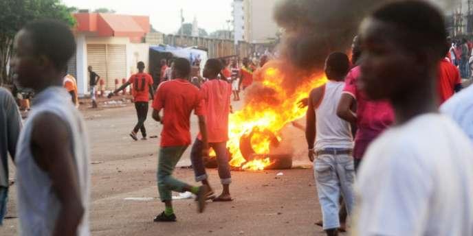 2 policiers et 8 civils tués en Guinée