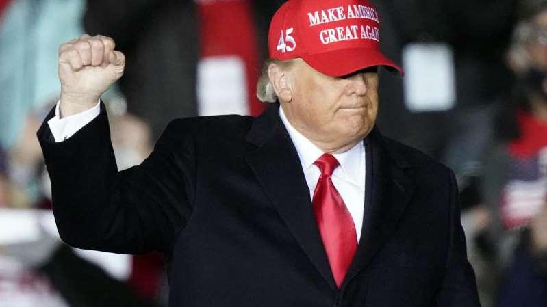 Présidentielle américaine: Trump enchaîne les meetings et se prépare à contester le vote