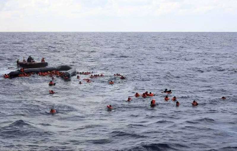 Libye : Au moins 74 morts dans un naufrage au large des côtes