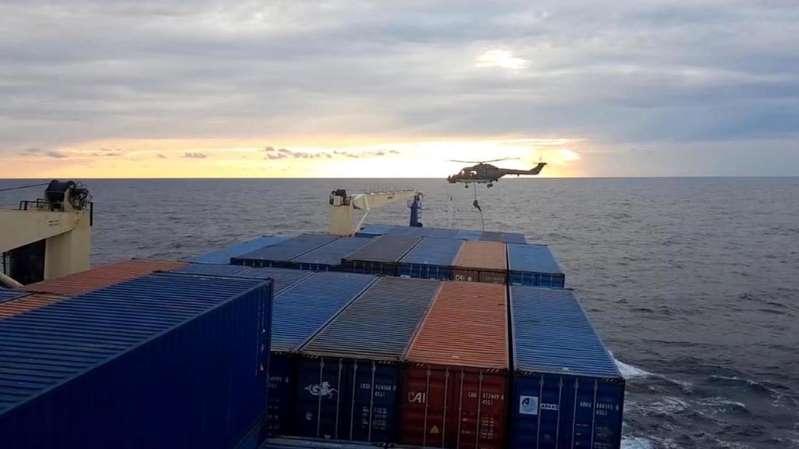 Un navire turc en route vers la Libye inspecté par des soldats allemands