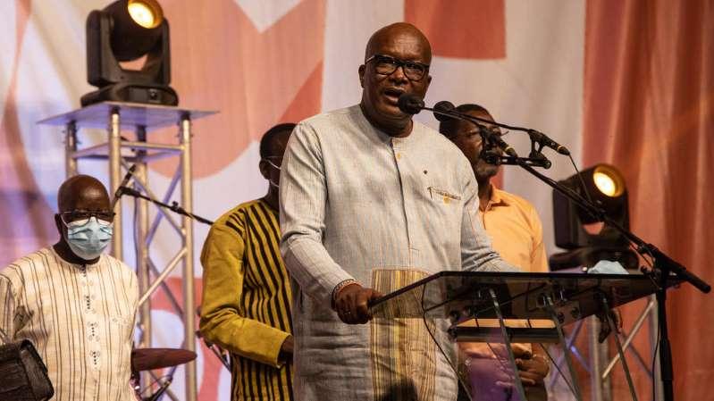Roch Marc Kaboré promet «une concertation permanente» pour «construire un Burkina meilleur»
