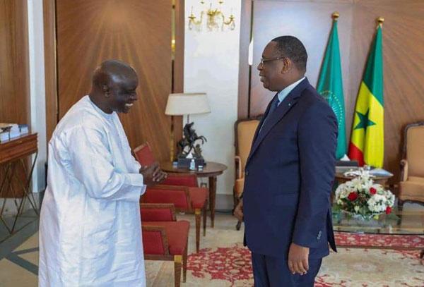 Bourde diplomatique: » Il faut limoger Idrissa seck»