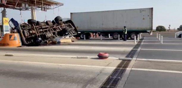 Grave accident à la sortie du péage près de l'aéroport