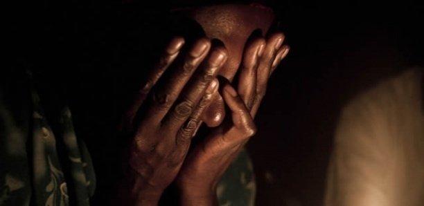 Sa copine se marie, le chauffeur de taxi l'enlève, la séquestre et la viole toute une nuit