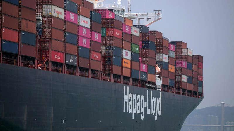 Sénégal: le bateau de Hapag-Lloyd chargé de déchets plastiques part en catimini