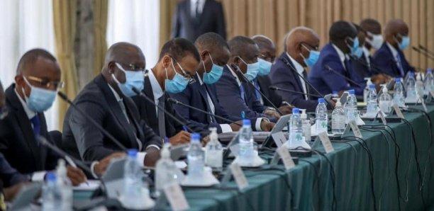Le Conseil des ministres reporté sine die