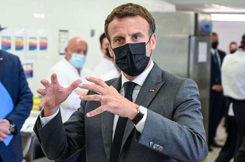 Macron veut accélérer l'expulsion des étrangers en situation irrégulière