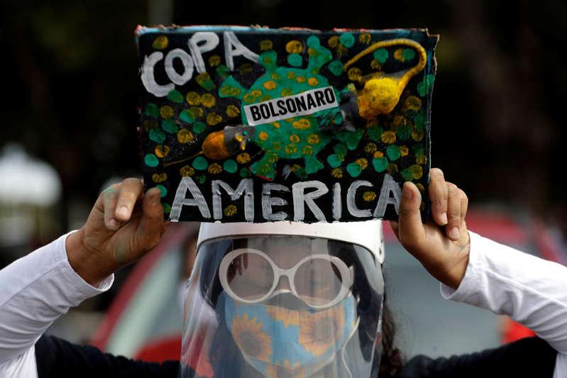 Ravagé par le Covid, le Brésil va bien accueillir la Copa America