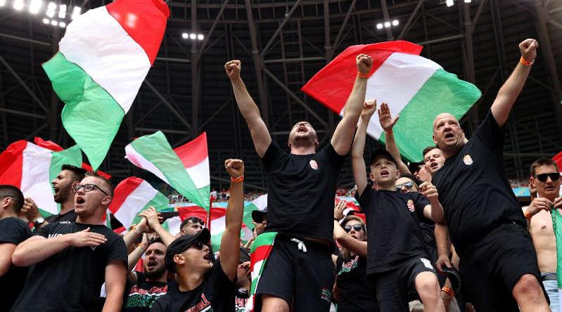 Insultes racistes envers les Bleus, l'UEFA enquête