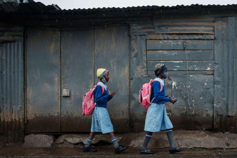 Covid: en manque de vaccins, l'Afrique frappée par une 3e vague «brutale»