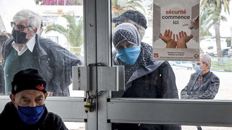 Covid-19 en Tunisie: la peur d'une quatrième vague d'infections