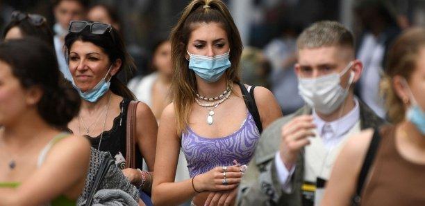 Covid-19 : l'Angleterre va enlever le masque, record de contaminations en Afrique