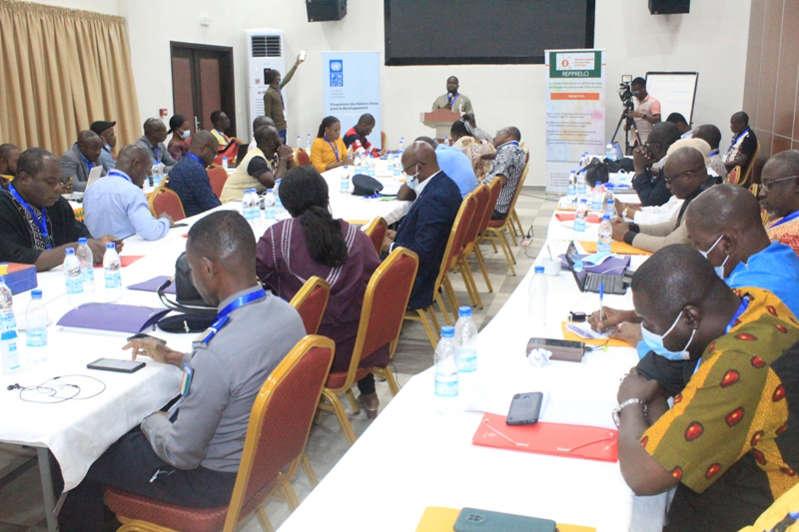 Fake news: adoption d'une Charte par les médias numériques ivoiriens